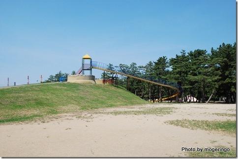 公園の代名詞 ローラー滑り台