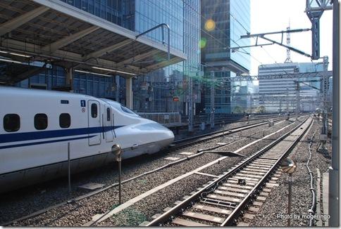 東京駅での新幹線 N700