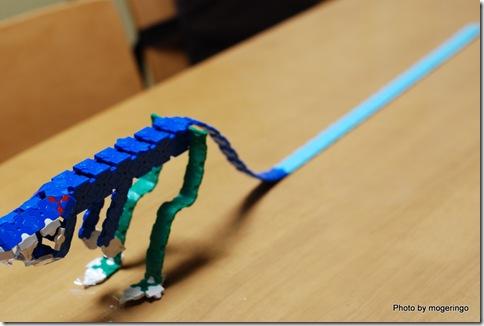 長い尻尾の恐竜